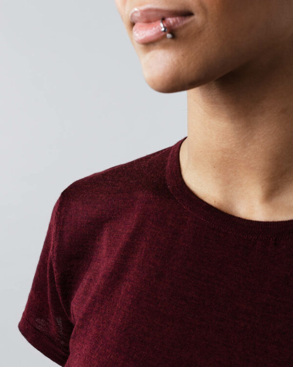 FOGG_Gildeskal_T-Shirt_T-Skjorte_Classic_Klassisk_Burgunder-Rød_Burgundy-Red_Front_Detail.jpg